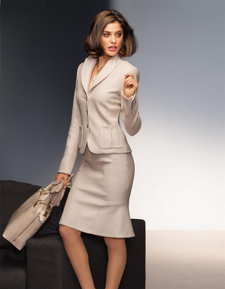 chic professional woman work outfit madeleine u k suit pure new wool in light taupe working. Black Bedroom Furniture Sets. Home Design Ideas