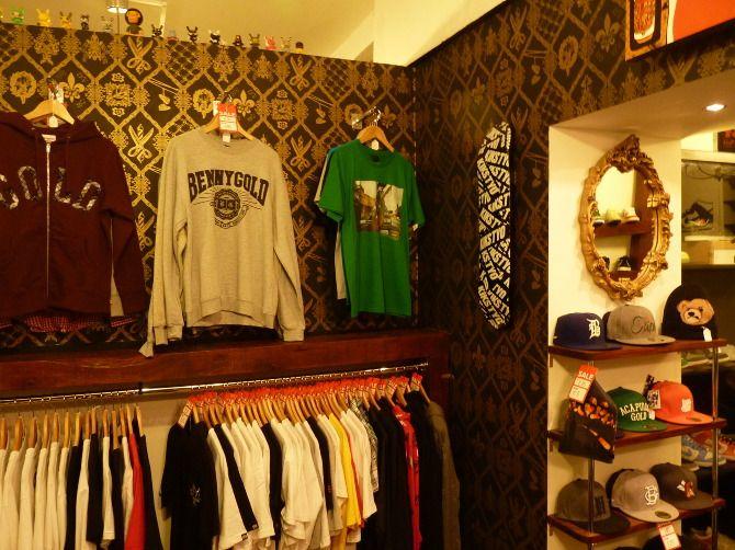Wallpape I designed for HBAD store Bristol uk Mattmanson.co.uk    Wallpaper Design, home ,Bristol, Barbers shop, custom wallpaper ,Hbad ,FlavorPaper, Mattmanson.co.uk ,freelance work , gold, gold and black, gold wallpaper, Brooklyn ,NYC
