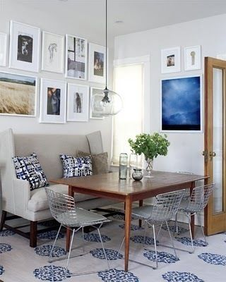 dining_room_banquette_bench_bertoia_chairs_blue_linen_white_silver_taupe_art_wall_grouping_modern_glass_pendant_vintage_eclectic_traditional_narrow_row_house-small_spaces-style_at_home_large.jpg 320×400 pixels
