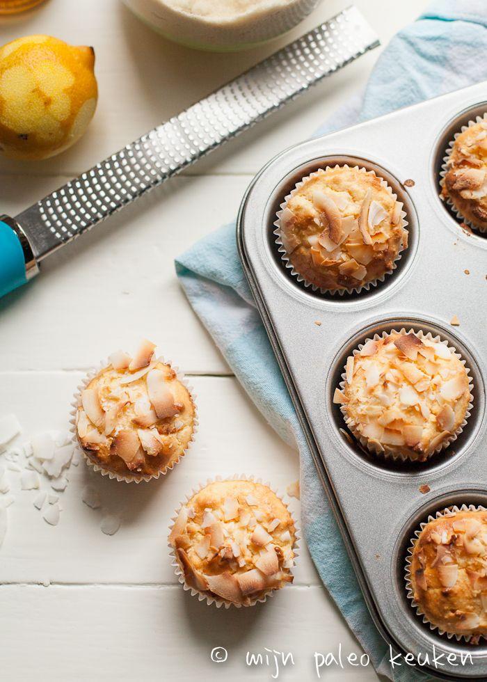 Paleo kokos-citroen muffins Soms heb je van die dagen, dat je gewoon zin hebt om iets lekkers te bakken. Op zo'n druilerige zondag bijvoorbeeld. Ik kwam toevallig (was het pinterest?) een recept voor triple coconut muffins tegen en ik dacht: Yes, dat wordt em! Het was ook eigenlijk het idee om deze muffins om te...Read More »
