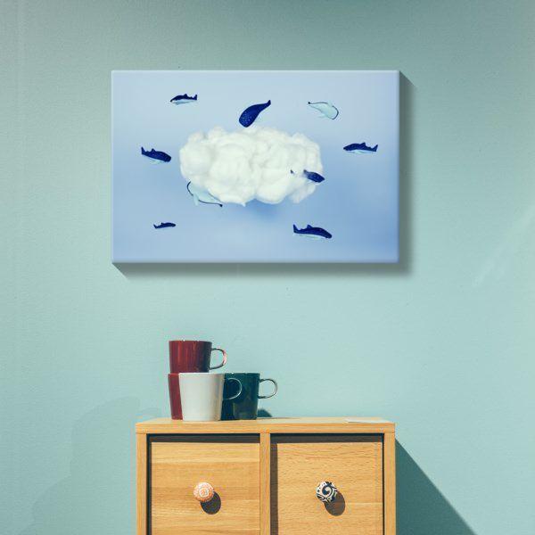 Lienzo Ballenas alrededor de la nube
