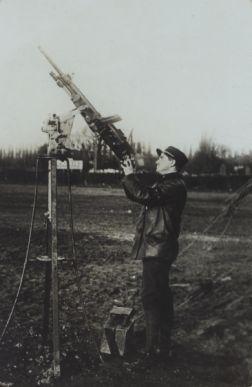 Mitrailleuse contre avions | Recueil. Images diverses de la première guerre mondiale : bataille de la Somme, des Dardanelles, destructions, soldats