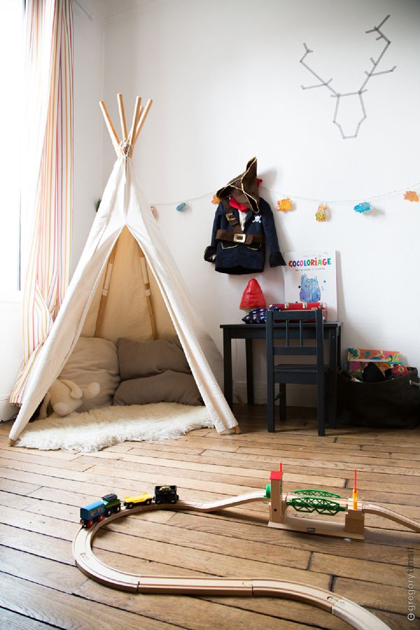 tipi pour chambre de gar on id e de d co pinterest teepees. Black Bedroom Furniture Sets. Home Design Ideas