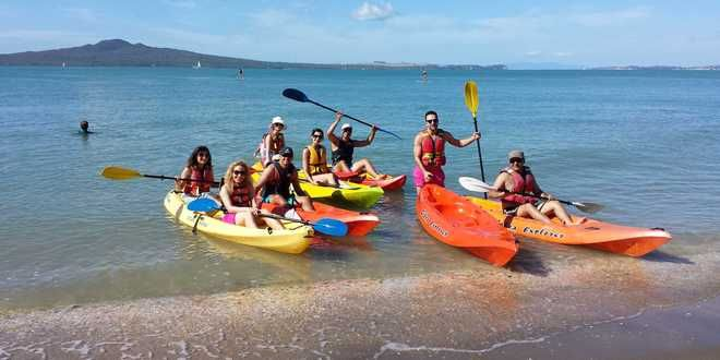 Kayak rentals at Mission Bay, Auckland, New Zealand. #Auckland #newzealand #kayaking #adventure #travel http://www.backpackerdeals.com/new-zealand/auckland/one-hour-single-kayak-rental