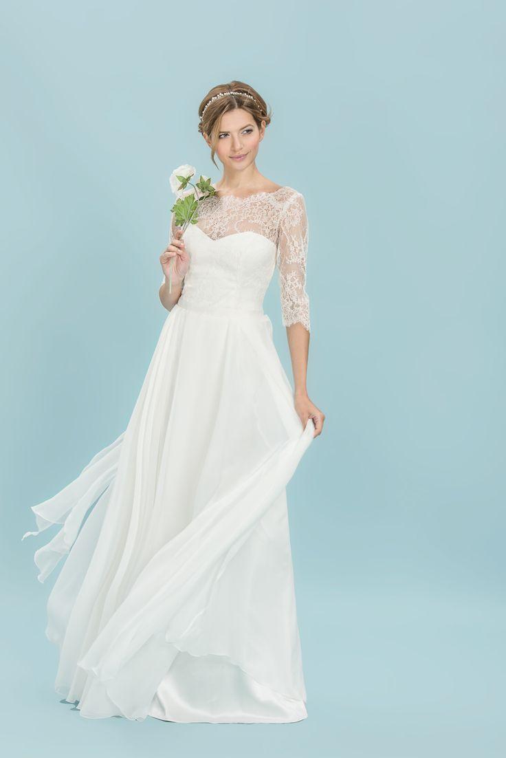Autorskie kolekcje jedwabnych sukien ślubnych, tworzone dla nowoczesnych panien młodych ceniących naturalność, elegancką prostotę i romantyczną delikatność.