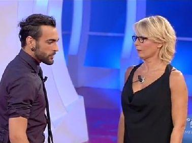 """""""C'è Posta per Te"""" boom con Marco Mengoni e Orlando Bloom - Tgcom24"""