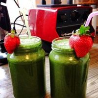 Green protein smoothie makes the perfect start to your day.