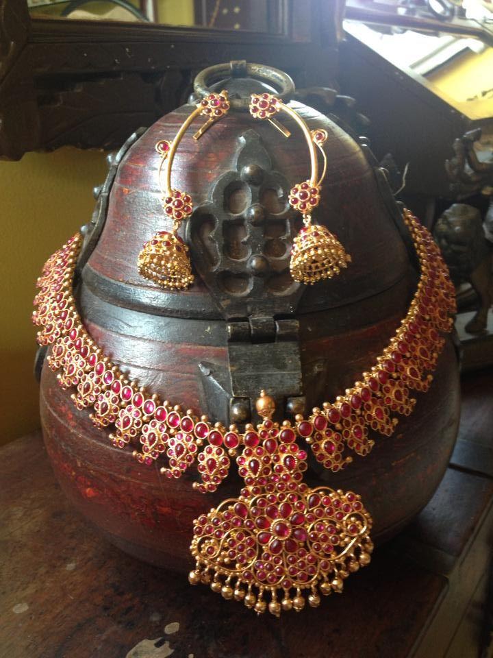 Queen's Jewel Emporium (1)