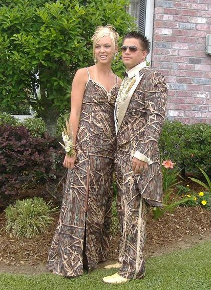 """How Adorable They Have Matching Outfits """"Fashion It Will Always Surprise You"""" ---- funny pictures hilarious jokes meme humor walmart fails"""