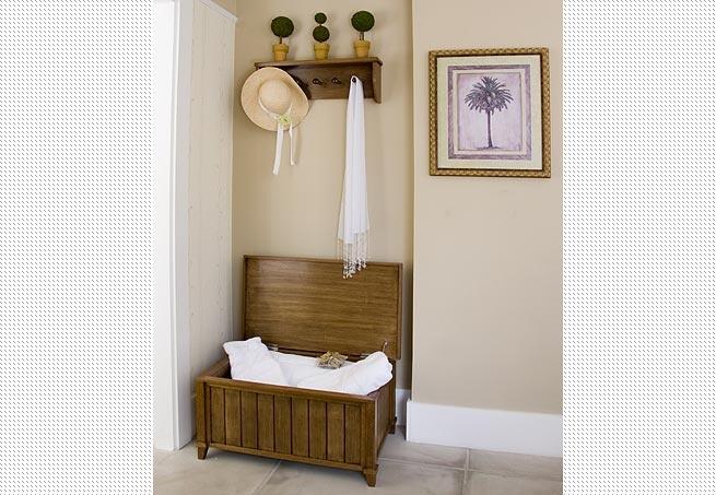 O gancho de madeira, mais tradicional, dá um ar clássico ao ambiente  Arquivo / Casa e Jardim