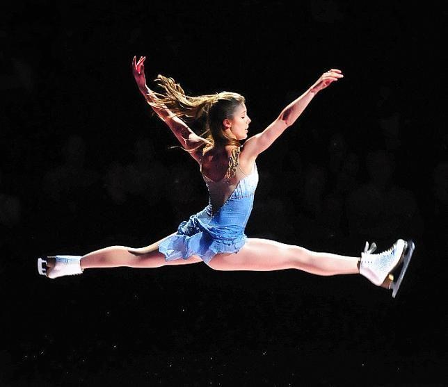 Ashley Wagner at Skate for Hope