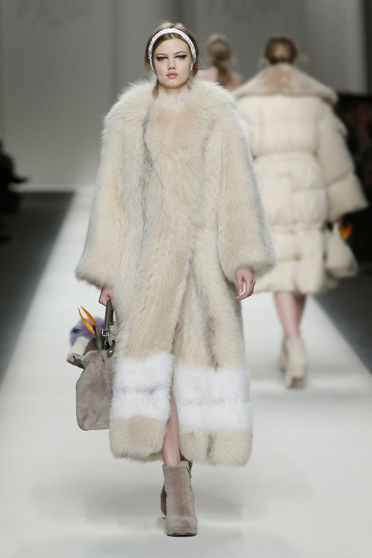 Fendi Fall/Winter 2015 Fashion Show - Look 51