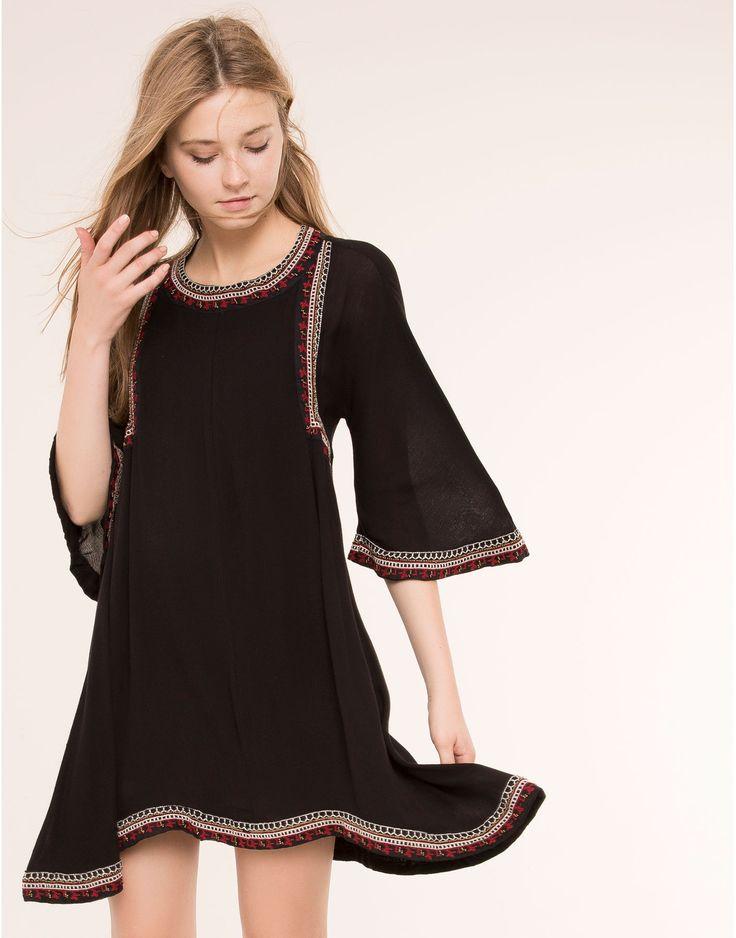 besticktes kleid im boho stil kleider damen pull. Black Bedroom Furniture Sets. Home Design Ideas