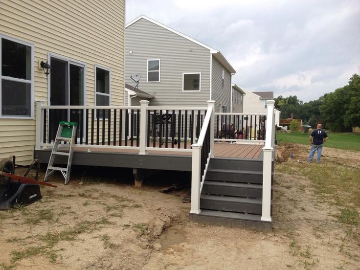 Trex Enhance Decking In Beach Dune With A Clam Shell