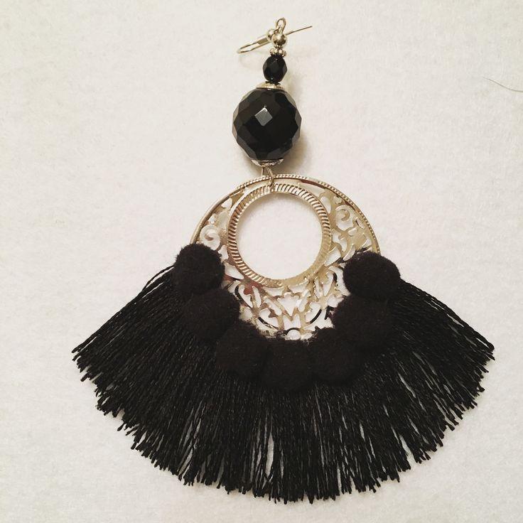 """""""Black collection""""Monorecchini con nappe e pon pon, in rafia, o cotone fatti a mano, pezzi unici, super colorati e leggeri... #campanelli #bell #orecchini #earrings #handmade #fattoamano #nappe #rafia #ponpon #spring17 #estate17 #musthave #bijoux #monorecchino #accessori #boho #bohochic #nappine #orecchininappe #gioielli #ss2017 #summer2017 #fashion #followme #wood #color #fun #enjoy #ibiza #nightlife #artigianato #pezziunici"""
