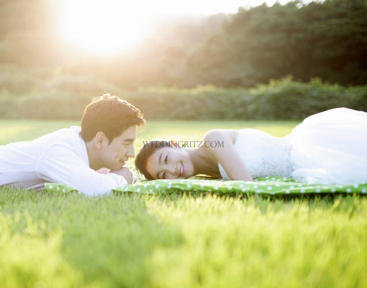 Korea pre-wedding photos in Jeju Island is getting popular. Most of photos' background is filled with nature. While you are doing photo shoo...