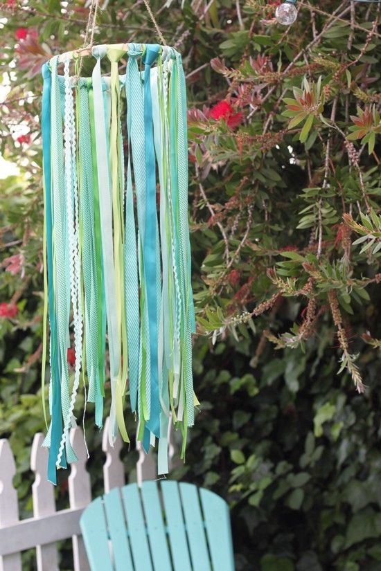 Ribbon chandelier using an embroidery hoop. by avis