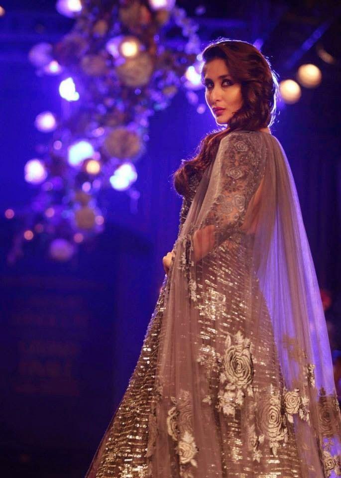 Kareena Kapoor Khan at LFW 2014 for Manish Malhotra