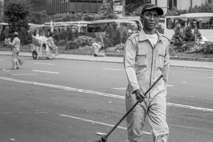 Sapu-sapu  | DiTrotoar | Street Photography
