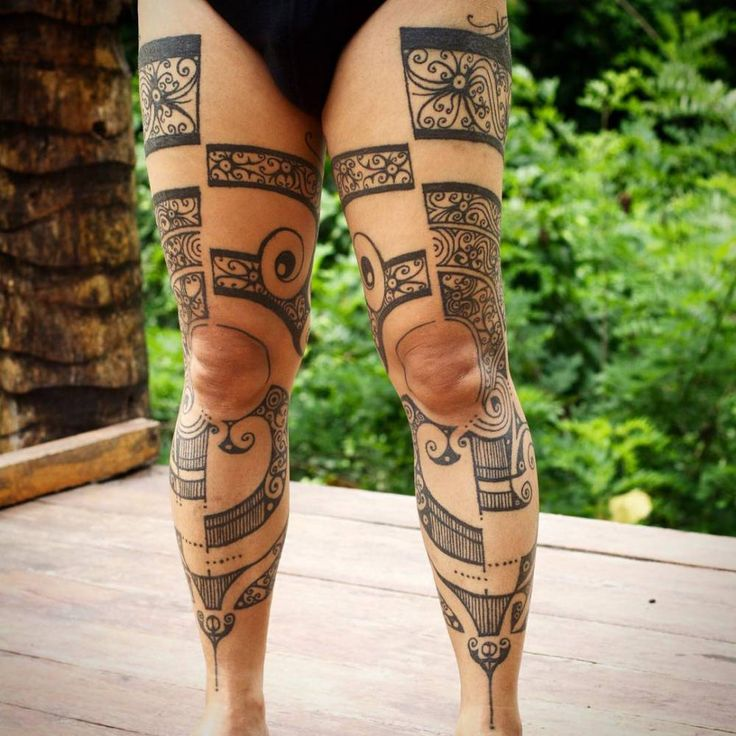 Leg piece using traditional hand-tapping tattoo instruments, freehand designed, influenced by many elements of Dayak Borneo tattoos & Mentawai tattoos. Part 2