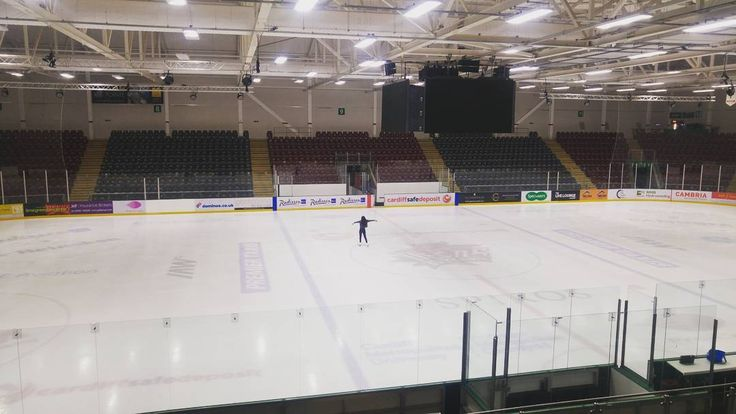 The sheer joy of turning up to your ice skating lesson... To find you have the whole Cardiff Devils rink to yourself!