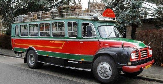 Bedford Mandenbus (26 Pers.) trouwauto huren, 123Trouwauto