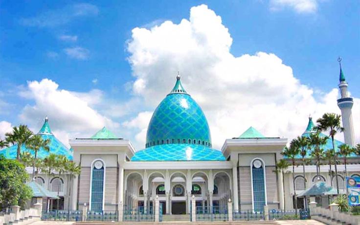 Masjid Agung AlAkbar Surabaya, Surabaya Jawa Timur