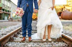 Als ich die Fotos der Industrie- Hochzeit von Inke & Matthias in der Henrichshütte Hattingen durchgeschaut habe, kam mit der Brautvater sofort bekannt vor.