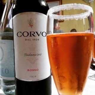 Tavolo d'autore #matrimoni #corvo #vino #topvines #italy #italia