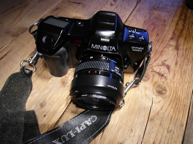#SOLD #VERKOCHT         #ForSale #TeKoop Minolta dynax 7000i spiegelreflexcamera met accessoires zoomlens Minolta 35 -70mm  zoomlens Sigma AF 70-210 mm, 1:4-5.6 met hoes Sakar Super Wide Semi Fish-eye 0.42X met hoes Luxon 52mm UV Haze filter  PL coated filter  2 films KODAK GOLD 200 24 exp. gebruiksaanwijzing fototas met draagband zonder batterij  Verzendkosten zijn voor de koper
