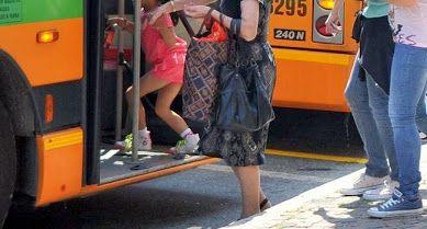 Como: molestava studentesse minorenni sui bus, arrestato.
