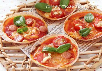 パリパリ食感が楽しい餃子の皮で作るピザ。ピザソースもトマトジュースで作るので簡単です♪