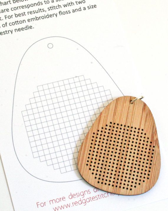 DIY cruz puntada collar bambú colgante Blanco por RedGateStitchery