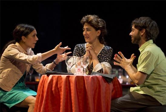 Lúcido, de Rafael Spregelburd, por la compañía Teatro de la Danza, con Isabel Ordaz, Alberto Amarilla e Itziar Miranda. Teatro Valle-Inclán. Madrid