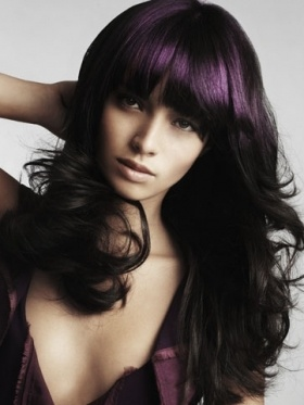 how to use purple highlights: Hairstyles, Dark Hair, Haircolor, Bangs, Dark Purple Hair, Hair Style, Hair Highlights, Hair Color Ideas, Wigs