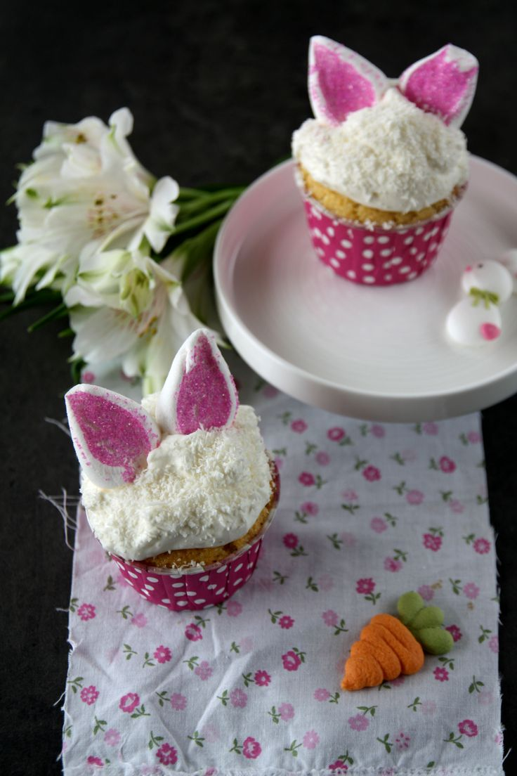 Cupcake coniglietto al cocco e lamponi