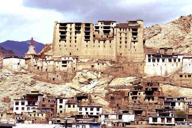 Must do all 101 Things to do in Leh Ladakh | Travel Guide