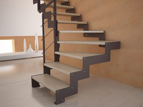 escalera de hierro con madera trabajos de herreria