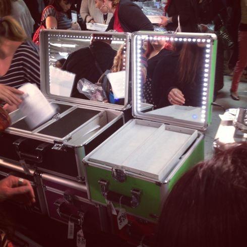 79 best miroir valise de maquillage images on pinterest for Miroir des princes