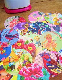 """Nodig;    -(vintage) ansichtkaarten en mooie kartonnen plaatjes     -schaar     -5cm/3"""" cirkel papier punch      -dun borduur/haakgaren in..."""