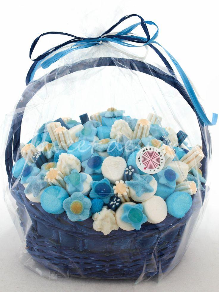 Cesta Azul con Brochetas | Sweet Design