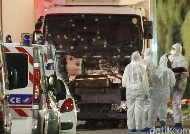 La Federación de Comunidades Judías de España (FCJE) condena el atentado terrorista perpetrado en Niza - http://diariojudio.com/noticias/la-federacion-de-comunidades-judias-de-espana-fcje-condena-el-atentado-terrorista-perpetrado-en-niza/200565/