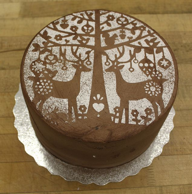 stencil inspiration for lid's cake: