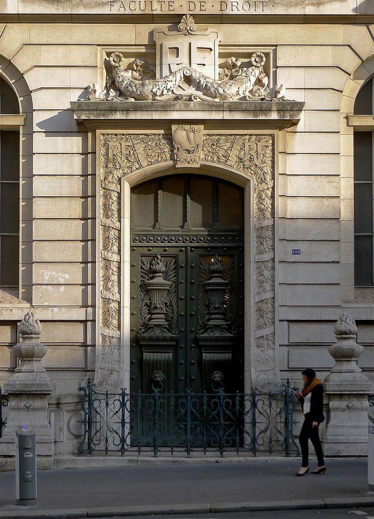 Panthéon-Sorbonne Faculté de droit :entrée depuis la rue saint Jacques du Centre Panthéon de l'université Panthéon Assas