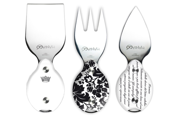 Cividât is a set of three hand made knives designed for cheese by ManiaGò.