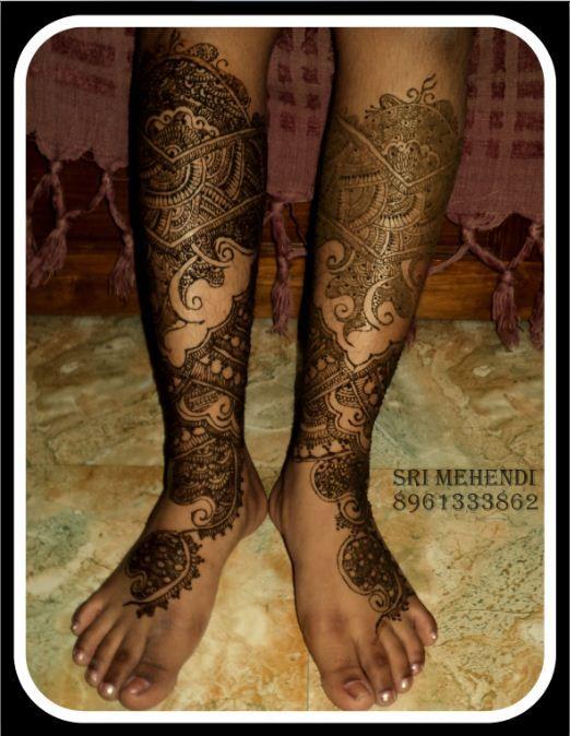 bridal mehendi on legs