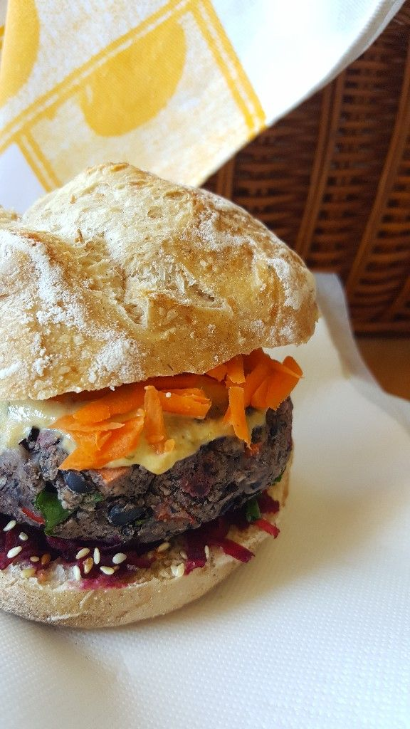 Hambúrgueres de feijão preto | O Vegetariano