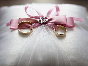 Biżuteria ślubna - obrączki ślubne, biżuteria na prezent, biżuteria ozdobna