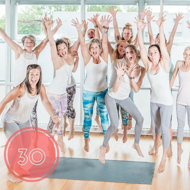 C'est aujourd'hui que se termine le défi 30 jours! Y avez-vous participé? #proud #accomplished #day30 #yogachallenge #yogaeveryday #perfectteam #teamwork