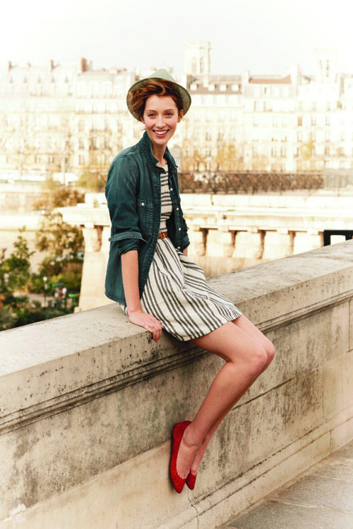 absolutely love this outfit...its a perfect outfit for those fall days that still have a touch of the summer weather :)